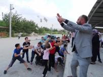 OĞLAN - Hisarcık'taki Düğünlerde Türk Lirası Serpiliyor