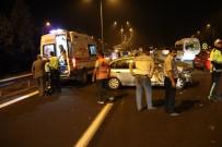MEHMET ERSOY - Tıra Arkadan Çarpan Otomobilde Bulanan 2 Kişi Yaralandı