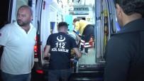 TARABYA - Tarabya Sahilinde Denize Uçan Minibüs Vinç Yardımıyla Çıkarıldı
