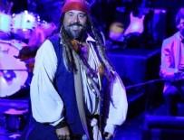 ZEKİ MÜREN - Ata Demirer Harbiye Açıkhava'da sahne aldı 'Jack Sparrow' oldu