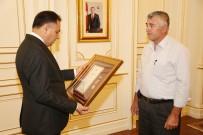 ÖVÜNÇ MADALYASI - Şehit Ailesine Devlet Övünç Madalyası Beratı Verildi