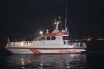 BAYRAM DEMIR - Beşiktaş'ta Denize Atlayan İki Kişiden Biri Kayboldu