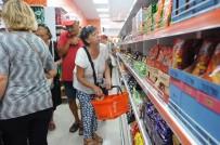 ATILLA SERTEL - Seferihisar'ın En Ucuz Marketi Açıldı