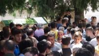 BAYRAM DEMIR - İstanbul'da Girdiği Denizde Boğulan 19 Yaşındaki Genç Toprağa Verildi
