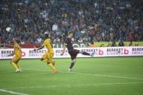 UFUK CEYLAN - Süper Lig Açıklaması  Trabzonspor Açıklaması 0 - Yeni Malatyaspor Açıklaması 0 (İlk Yarı)