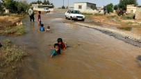SURUÇ OVASI - Göle Dönen Yollar Çocukların Eğlence Mekanı Oldu