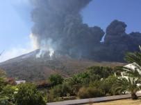 SICILYA - Stromboli Yanardağındaki Patlama Turistleri Korkuttu