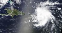 ORLANDO - Florida, Dorian Kasırgasına Hazırlanıyor