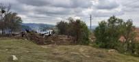 Devrekani'de Bir Ev, Bir Ahır Ve Samanlık Yangında Küle Döndü