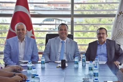 Akhisar Üniversitesi Derneği İki Milletvekilinin Katılımı İle Toplandı