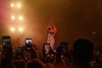 ENIS ARıKAN - Antalya'da Jennifer Lopez fırtınası esti