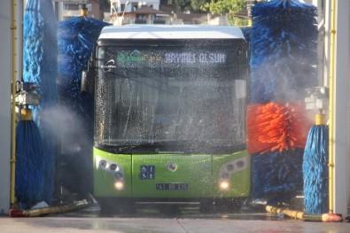 Otobüslere Bayram Temizliği Yapıldı