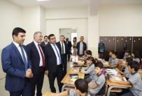 UĞUR KALKAR - Sultangazi Belediyesi'nden 110 Bin Öğrenciye 600 Bin Defter
