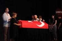 LEVENT ÜZÜMCÜ - Tiyatroya Başladığı Sahnede Uğurlandı