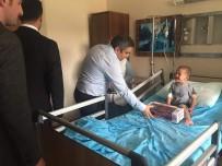 Tutak Kaymakamı Karaaslan'dan Hastalara Moral Ziyaret