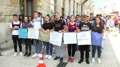 Srebrenitsa Kurbanları İçin Mostar'da Anma Yürüyüşü