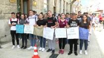 RATKO MLADIC - Srebrenitsa Kurbanları İçin Mostar'da Anma Yürüyüşü