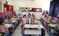 YEŞILBAYıR - Başkan Genç, Minik Öğrencilerle Aynı Sırada