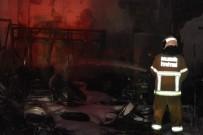 Oto Lastikçide Çıkan Yangın Korkuttu
