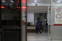 ÖZEL AMBULANS - Kocaeli'de Devlet Hastanesinin Acil Servis Ünitesinde Kimyasal Madde Paniği