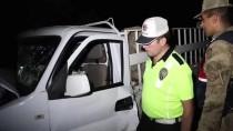 HANKENDI - Traktör İle Pikap Çarpıştı Açıklaması 3 Yaralı