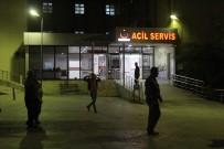 ÖZEL AMBULANS - Kimyasal Madde Paniği Yaşanan Hastanenin Acil Servis Ünitesinde Giriş Ve Çıkışlar Tekrar Açıldı