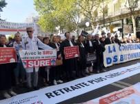 HAVA ULAŞIMI - Paris'te Emeklilik Reformuna Karşı Yürüyüş