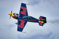 AKROBASİ PİLOTU - Red Bull Air Race Teknofest'te Nefes Kesecek