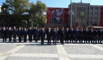 SAKARYA MEYDAN MUHAREBESİ - Eskişehir'de Gaziler Günü Münasebetiyle Atatürk Anıtına Çelenk Sunuldu