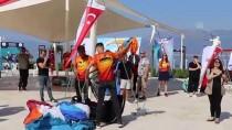 ALİ ORKUN ERCENGİZ - Burdur Gölü'ne Dikkat Çekmek İçin Yamaç Paraşütü İle Uçtular