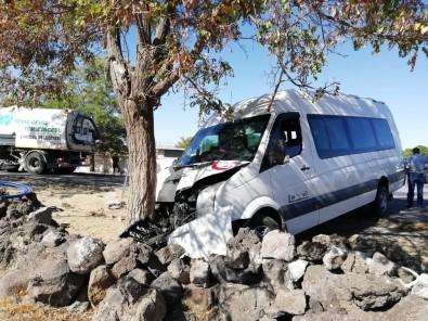 Kayseri'de Minibüs İle Otomobil Çarpıştı Açıklaması 5 Yaralı