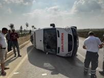 Adana'da Ambulans İle Otomobil Çarpıştı Açıklaması 1'İ Bebek 4 Yaralı