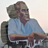 MUHARREM ERTAŞ - Kırşehir Belediyesi, Şehrin Girişine Atatürk Posteri Astı