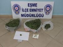 KARAAHMETLI - Otomobilde Ve Evde 2 Kilo 200 Gram Esrar Yakalandı Açıklaması 3 Gözaltı