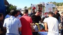 MUSTAFA ERDEM - Milas'ta Yolcu Otobüsüyle Otomobil Çarpıştı Açıklaması 2 Yaralı