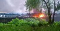 MUMBAI - Hindistan'da Akaryakıt Tesisinde Patlama Açıklaması 4 Ölü, 8 Yaralı