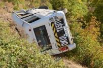 Freni Patlayan Öğrenci Servisi Şarampole Yuvarlandı Açıklaması 7 Yaralı