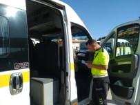 Selendi'de Servis Araçlarına Sıkı Denetim