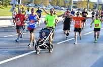 MİLLİ ATLETLER - Uluslararası İzmir Yarı Maratonu Renkli Görüntülere Sahne Oldu