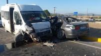 Kırkağaç'ta İşçi Midibüsü Otomobil İle Çarpıştı Açıklaması 6 Yaralı