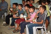 DONDURMAM GAYMAK - Tarsus'ta Açık Havada Yaklaşık 50 Bin Kişi Film İzledi