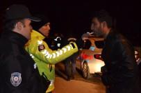 TRAFİK CEZASI - Çal'da Jandarma Ve Polisten Yılbaşı Denetimleri