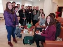 MEHMET ÖZDEMIR - Üniversiteli Gençler 2020 Yılına Lavanta Tohumu Ekerek Girdi