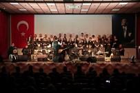 YENI YıL - Akhisar Belediyesi THM Korosu İlk Konserini Verdi