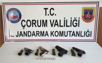 RUHSATSIZ SİLAH - Jandarma'dan Silah Operasyonu