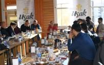 TARAFSıZLıK - Uşak Valisi 'Çalışan Gazeteciler Günü'nde Basın Mensuplarını Ağırladı