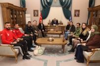 ALINUR AKTAŞ - Şampiyonluk Sevincini Başkan Aktaş'la Paylaştılar