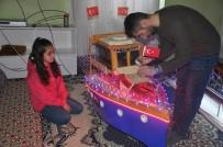BOĞAZ TURU - Kızı İçin Bu Kez Maket Gemi Yaptı