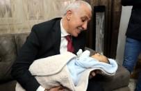 UYKU DÜZENİ - Başkan Gültak, 11 Yıl Sonra Çocuk Sahibi Olan Çiftin Mutluluğunu Paylaştı