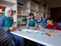 BİLGİ EVLERİ - Kartepe'de Anneler Ve Çocukları Etkinlikte Buluştu